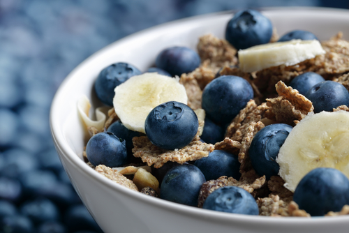 Diet High in Fiber May Reduce Damage in Smokers' Lungs